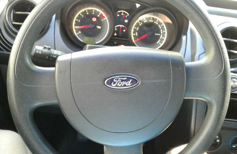 Ford Fiesta Hatch 1.6 (Flex) - Foto #5