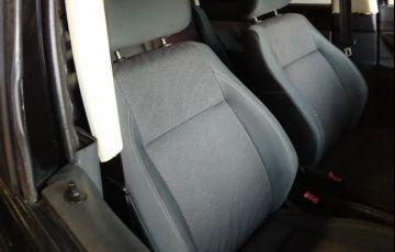 Volkswagen Polo Sedan Comfortline 1.6 8V - Foto #5