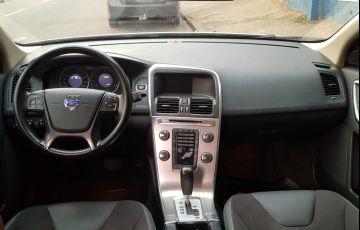 Volvo XC60 2.0 T5 Comfort - Foto #2
