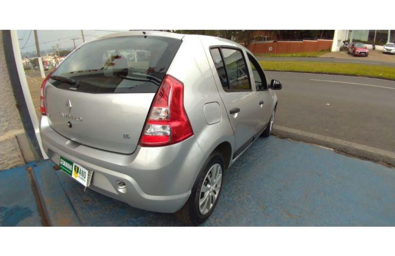 Renault Sandero Expression 1.6 8V - Foto #4