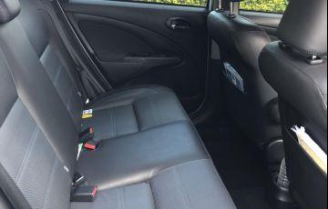 Toyota Etios Platinum 1.5 (Flex) (Aut) - Foto #3