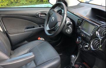 Toyota Etios Platinum 1.5 (Flex) (Aut) - Foto #6