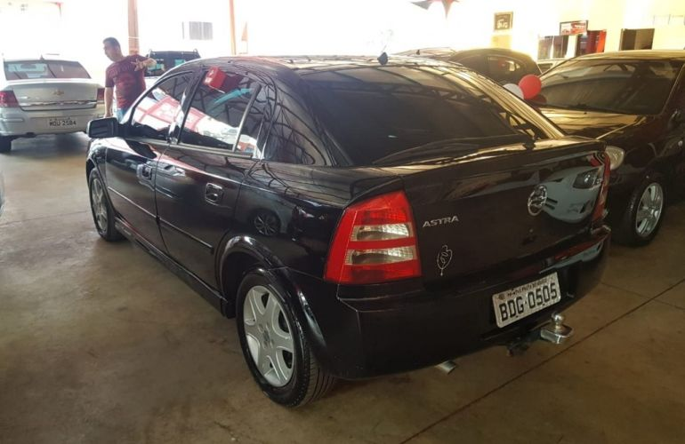 Chevrolet Astra Hatch Comfort 2.0 (Flex) - Foto #4