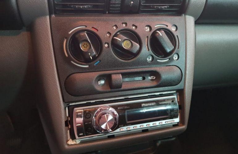Volkswagen Polo Sedan Comfortline 1.6 8V (Flex) - Foto #7