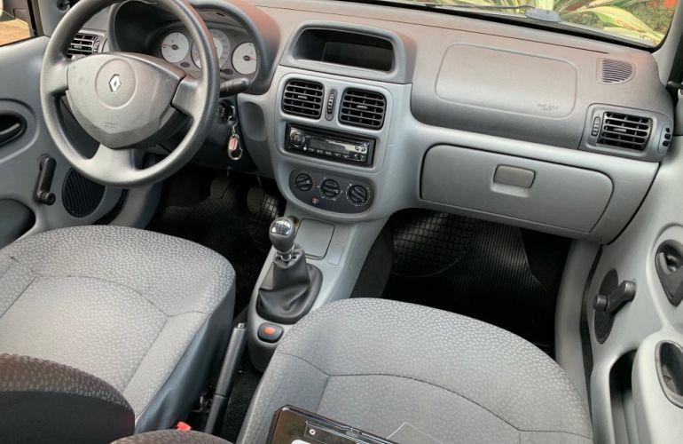 Fiat Uno Vivace 1.0 8V (Flex) 2p - Foto #10
