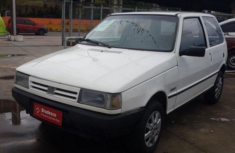 Fiat Uno CS 1.5 8V - Foto #2