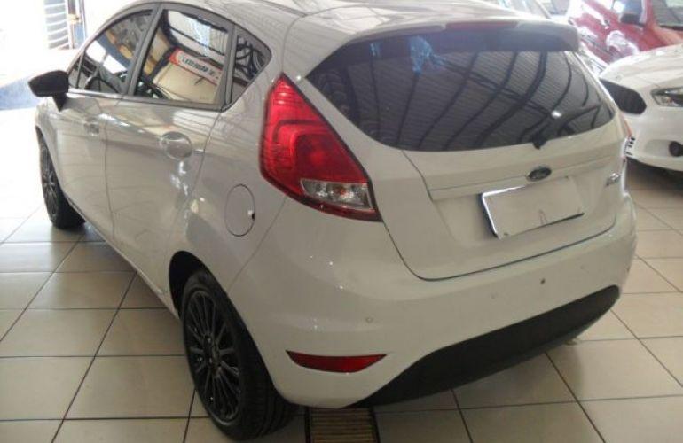 Ford Fiesta SE 1.6 - Foto #9