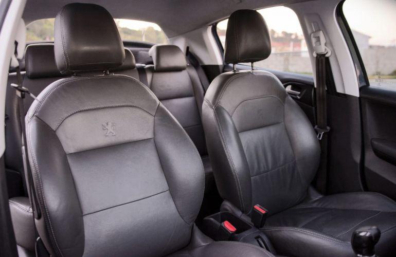 Peugeot 208 Active Pack 1.2 12V (Flex) - Foto #9