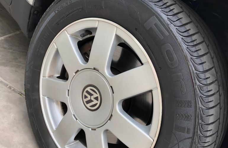 Volkswagen Passat Variant 1.8 Turbo 20V - Foto #2