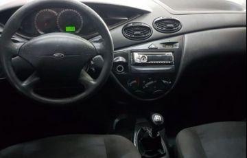 Ford Focus 1.6 8V - Foto #4