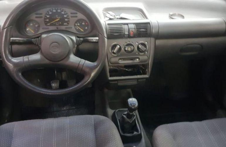 Chevrolet Corsa Sedan Super 1.0 MPFi 16V - Foto #4