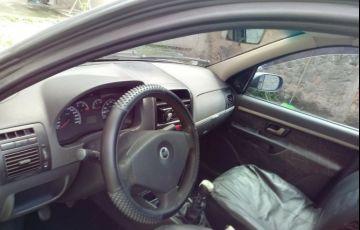Fiat Siena HLX 1.8 8V (Flex) - Foto #1