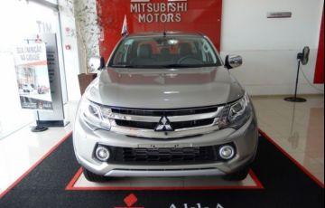 Mitsubishi L200 Sport HPE Top 4X4 Cabine Dupla 2.4 Turbo Diesel 16V - Foto #2