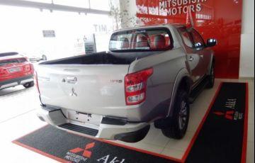 Mitsubishi L200 Sport HPE Top 4X4 Cabine Dupla 2.4 Turbo Diesel 16V - Foto #5