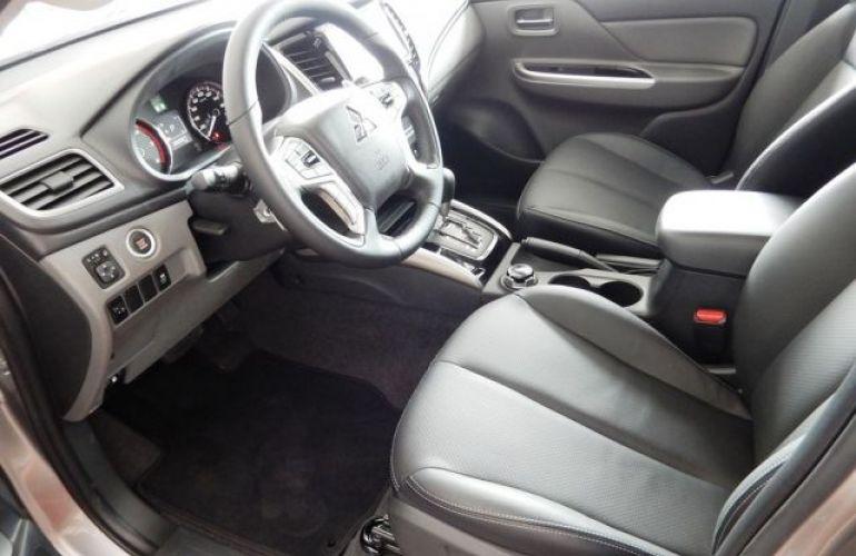 Mitsubishi L200 Sport HPE Top 4X4 Cabine Dupla 2.4 Turbo Diesel 16V - Foto #8