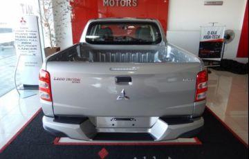 Mitsubishi L200 Triton Sport GLS 4WD 2.4 TD - Foto #4