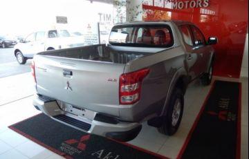 Mitsubishi L200 Triton Sport GLS 4WD 2.4 TD - Foto #5