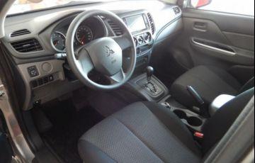 Mitsubishi L200 Triton Sport GLS 4WD 2.4 TD - Foto #8