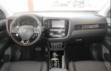 Mitsubishi Outlander GLS 2.0 CVT - Foto #6
