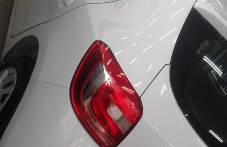 Renault Sandero Expression 1.6 16V Flex - Foto #4