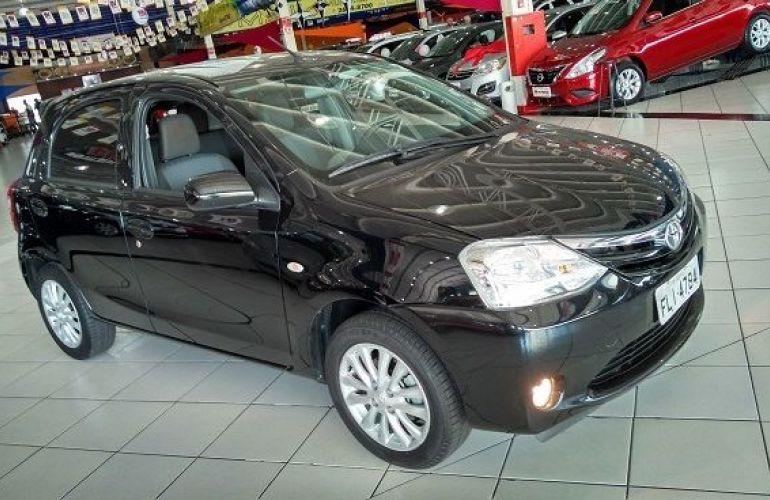 Toyota Etios XLS 1.5 16V Flex - Foto #2