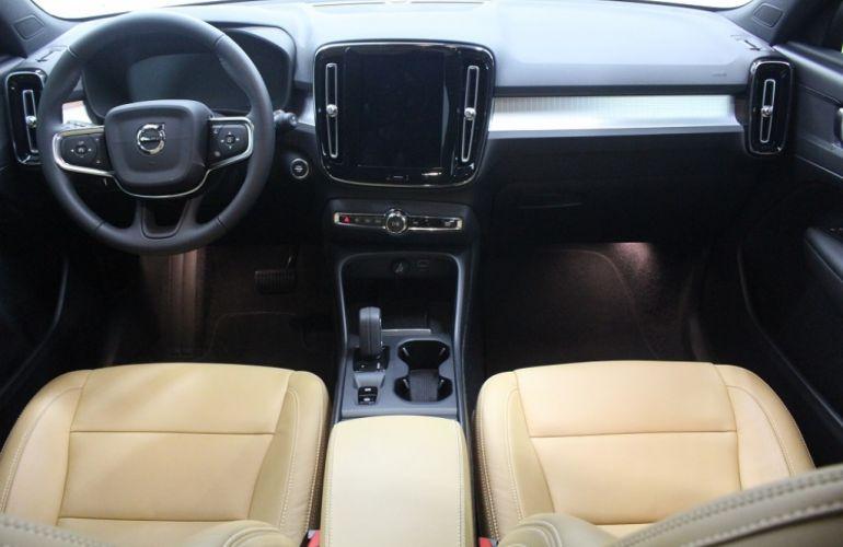 Volvo XC40 2.0 T5 Momentum AWD - Foto #7