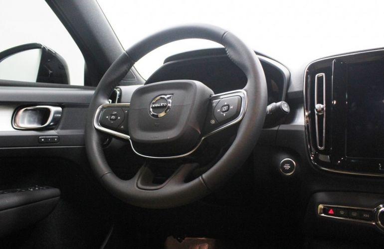 Volvo XC40 2.0 T5 Momentum AWD - Foto #8