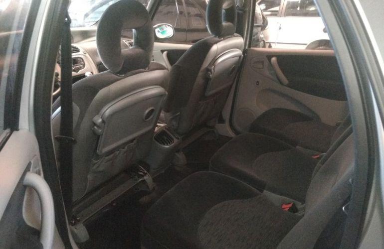 Citroën Xsara Picasso Exclusive 2.0 16V - Foto #8