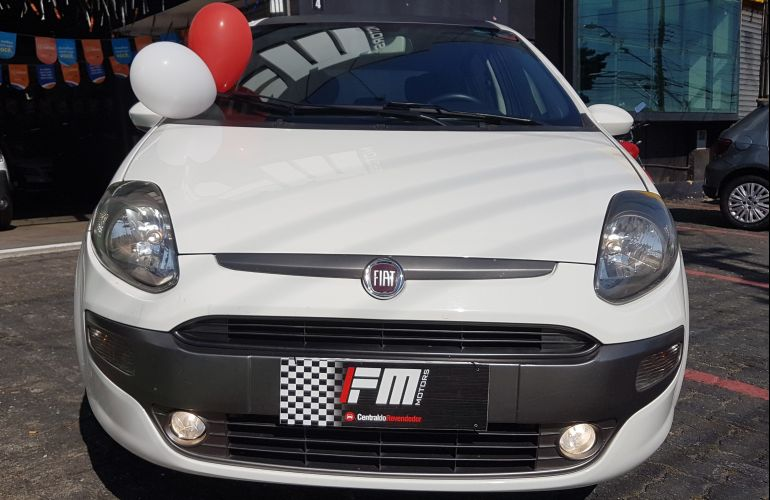 Fiat Punto Sporting 1.8 16V Dualogic (Flex) - Foto #2
