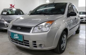 Ford Fiesta 1.0 MPI 8V - Foto #1
