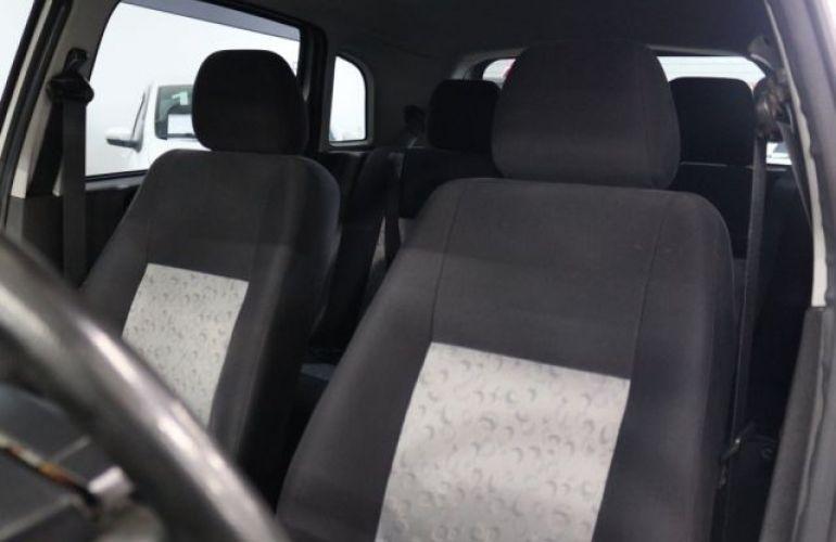 Ford Fiesta 1.0 MPI 8V - Foto #7