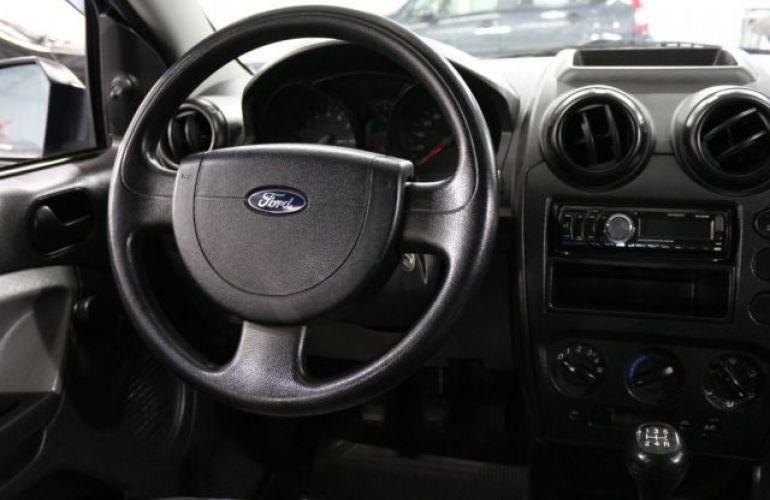 Ford Fiesta 1.0 MPI 8V - Foto #9