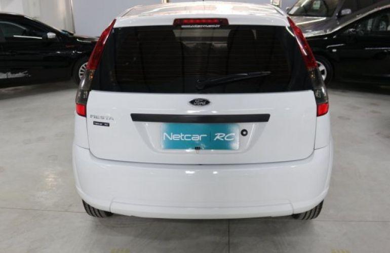 Ford Fiesta 1.0 MPI 8V - Foto #4