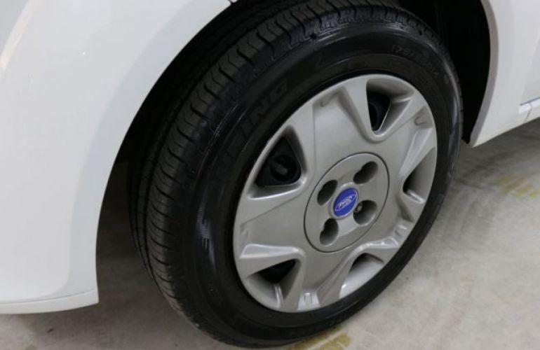 Ford Fiesta 1.0 MPI 8V - Foto #8