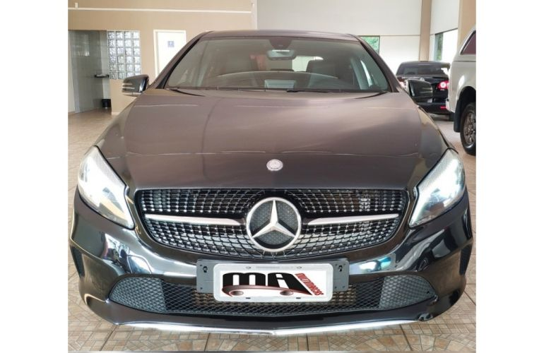 Mercedes-Benz Classe A 200 Urban 1.6 DCT Turbo - Foto #2