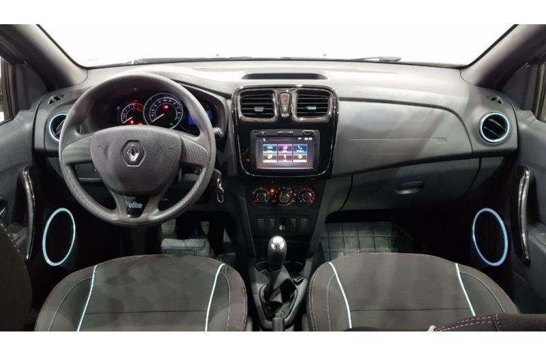 Renault Sandero Vibe 1.0 12V SCe (Flex) - Foto #5