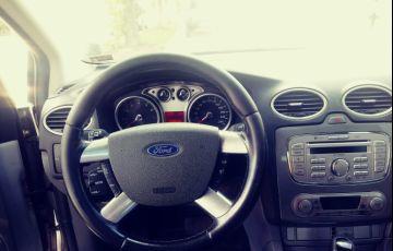 Ford Focus Sedan Ghia 2.0 16V (Flex) (Aut) - Foto #2