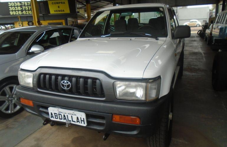 Toyota Hilux DX 4x4 3.0 (cab. dupla) - Foto #1