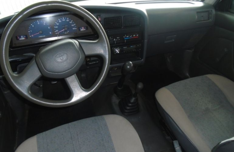 Toyota Hilux DX 4x4 3.0 (cab. dupla) - Foto #6
