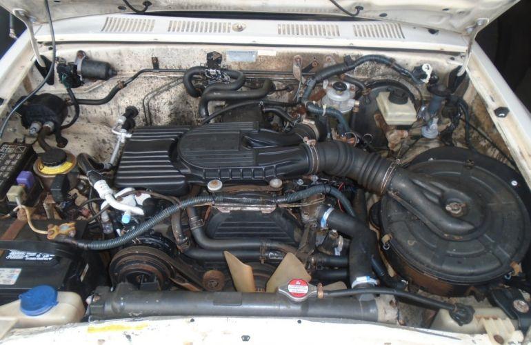 Toyota Hilux DX 4x4 3.0 (cab. dupla) - Foto #7