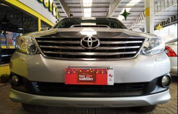 Toyota Hilux SW4 3.0 TDI 4x4 SRV 5L - Foto #3
