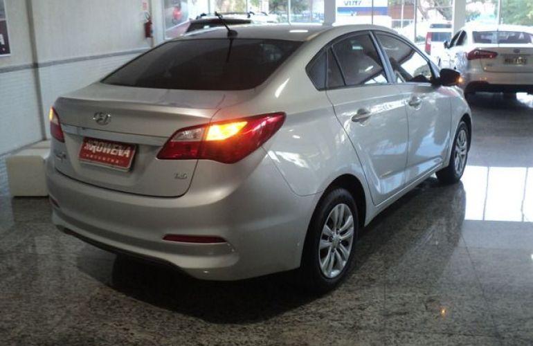 Hyundai HB20S Comfort Plus 1.6 16V Flex - Foto #5