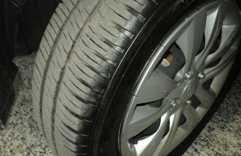 Hyundai HB20S Comfort Plus 1.6 16V Flex - Foto #8