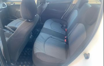Peugeot 207 Hatch XR S 1.4 8V (flex) - Foto #6