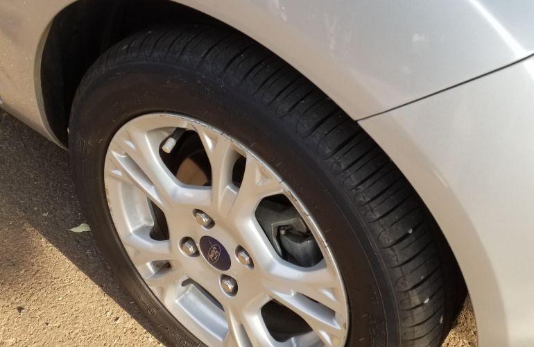 Ford Fiesta Sedan SE Plus 1.0 RoCam (Flex) - Foto #7