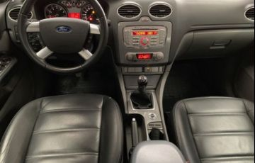 Ford Focus Ghia 2.0 16V Flex - Foto #4