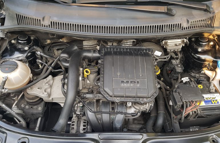 Volkswagen Fox 1.0 TEC BlueMotion (Flex) 4p - Foto #8