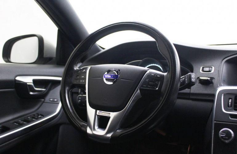 Volvo V60 3.0 T6 R-Design AWD - Foto #8