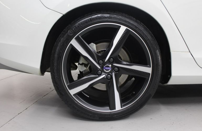 Volvo V60 3.0 T6 R-Design AWD - Foto #10