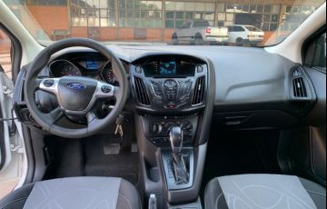 Ford Focus Hatch S 1.6 16V TiVCT PowerShift - Foto #6